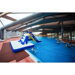 Aquaglide® Freefall mit Pool Slide Pad