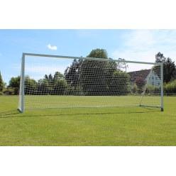 Sport-Thieme Großfeld-Fußballtor mit klappbarem Netzbügel und Bodenrahmen